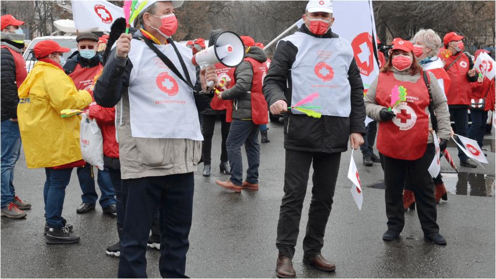 Sindicaliștii Sanitas amenință Guvernul cu proteste în stradă