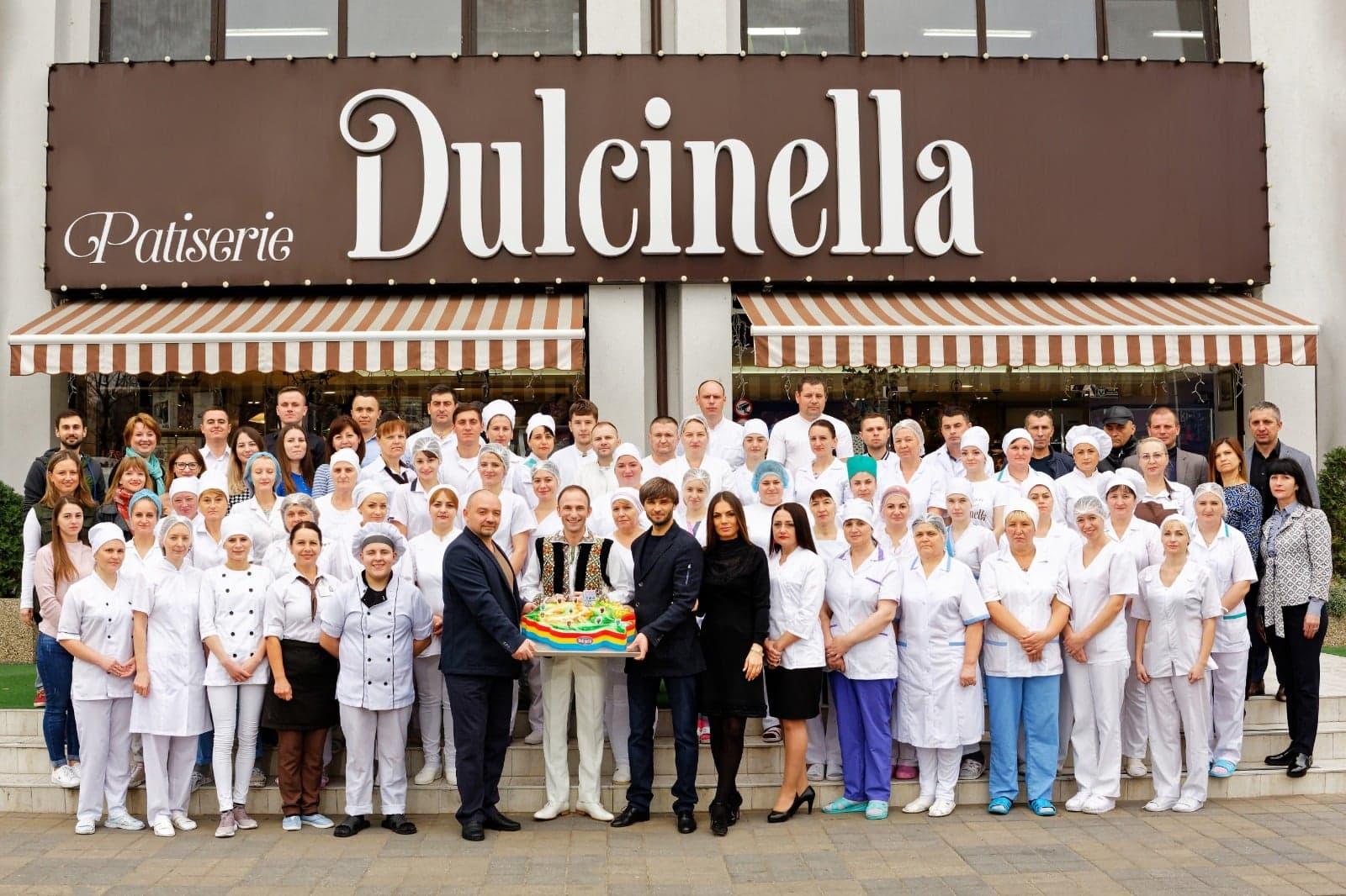 Artistul Ion Paladi deschide cofetăria Dulcinella în Vaslui