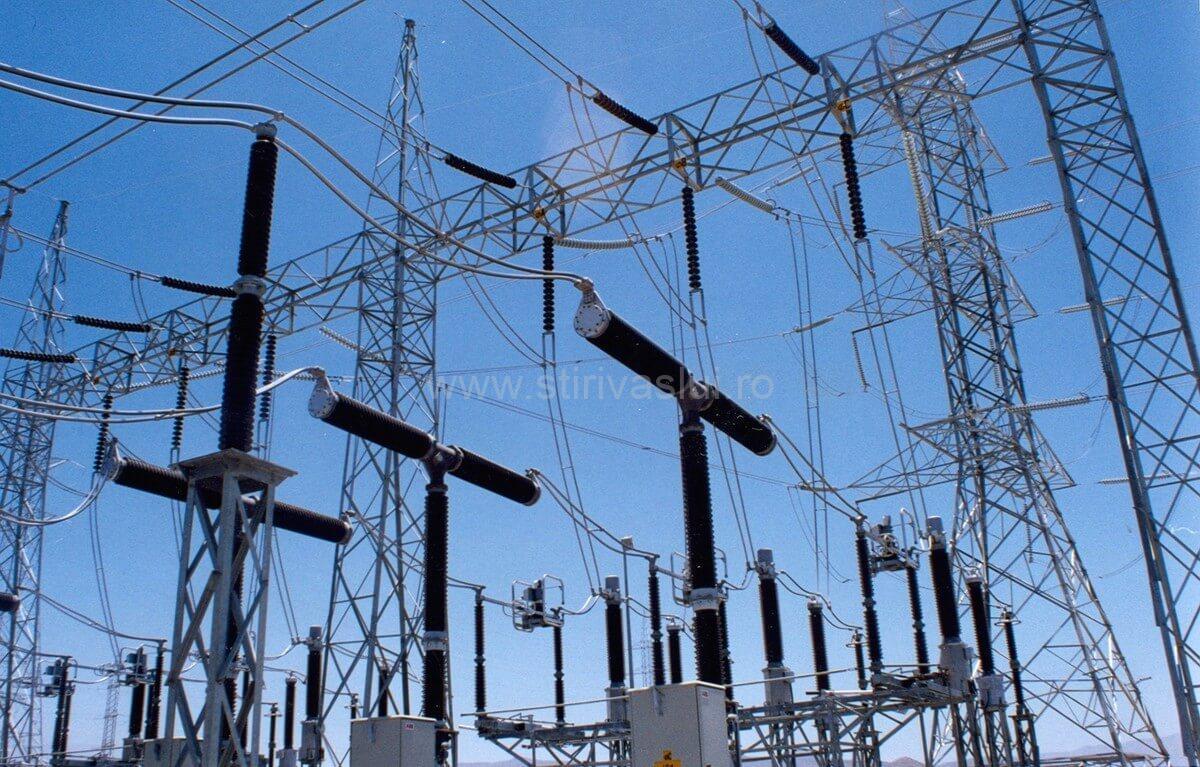 Furnizorii de energie electrică, amendați cu 1,11 milioane lei