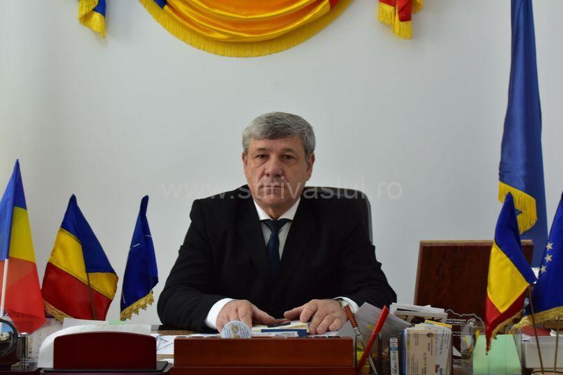 Replica primarului Boroș la acuzațiile directorului Mamalaucă