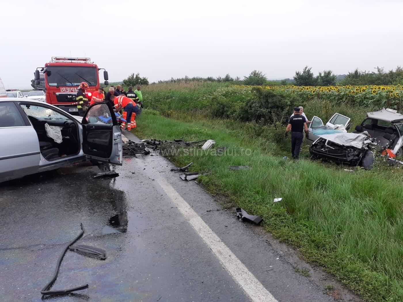 Accident rutier grav pe DN 24. Trei persoane rănite