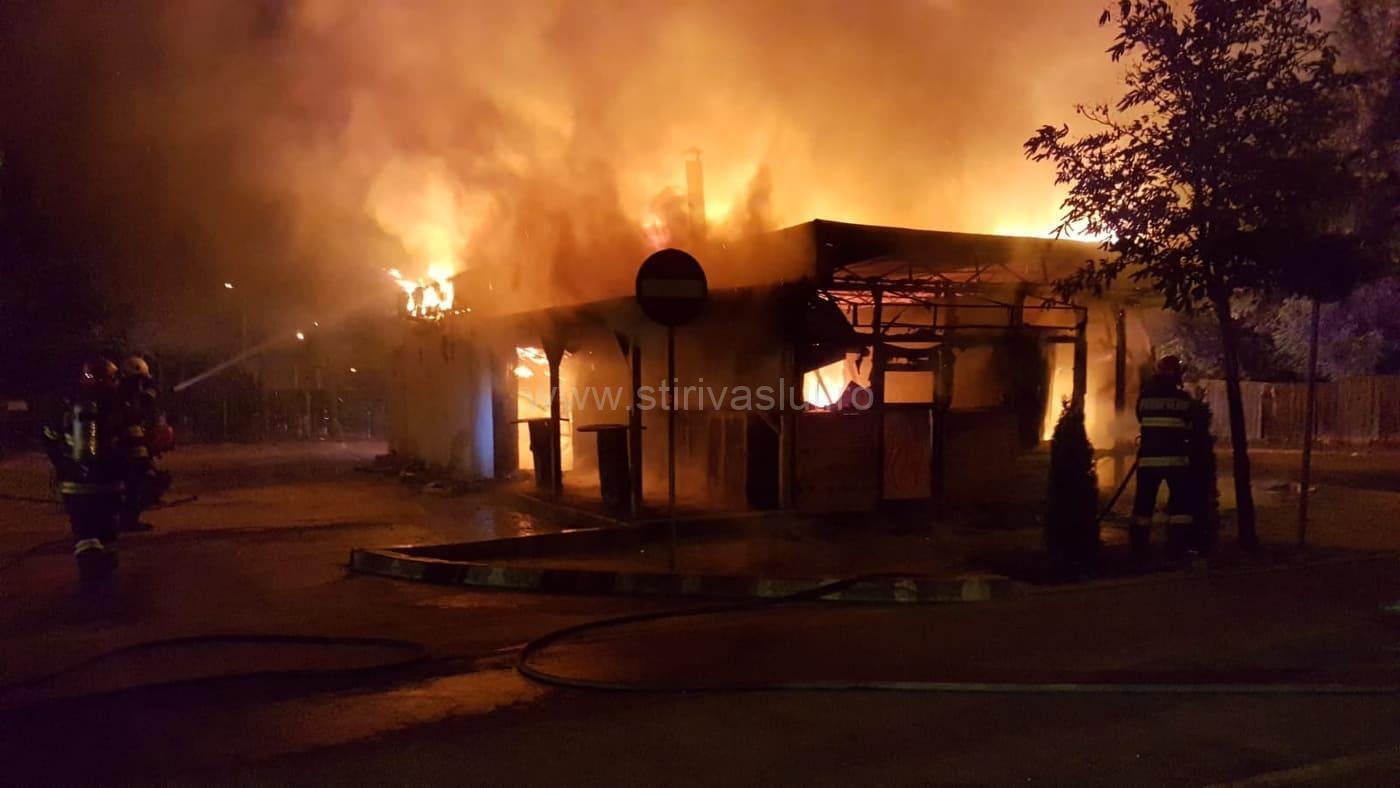 Incendiu la fostul restaurant Grill, din Bârlad