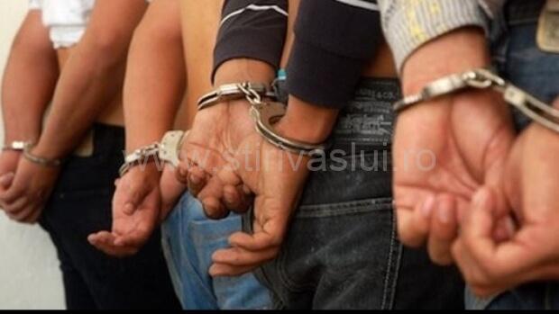Patru negreșteni au fost reținuți după o bătaie în toiul nopții