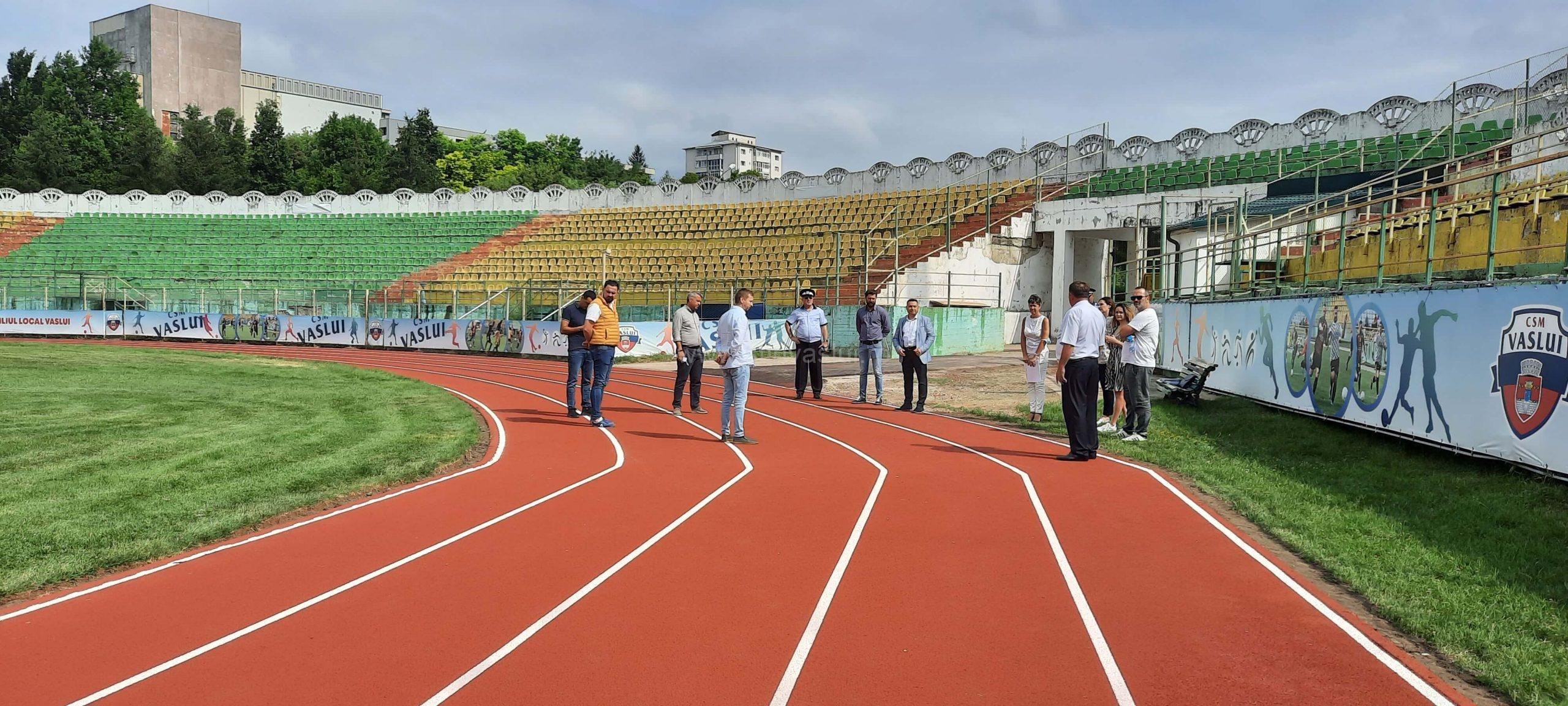 Pista de alergare a Stadionului municipal Vaslui a fost reabilitată 3