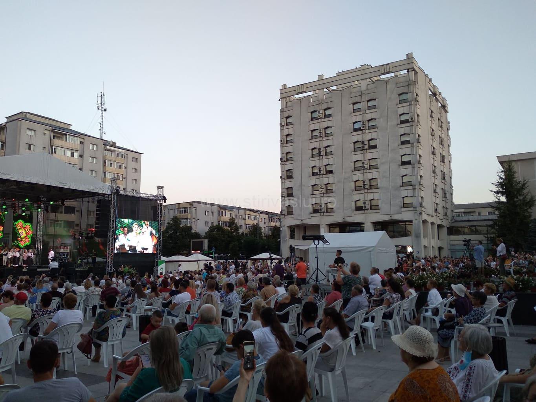 """Festivalul """"Hora din străbuni"""" a fost un succes"""