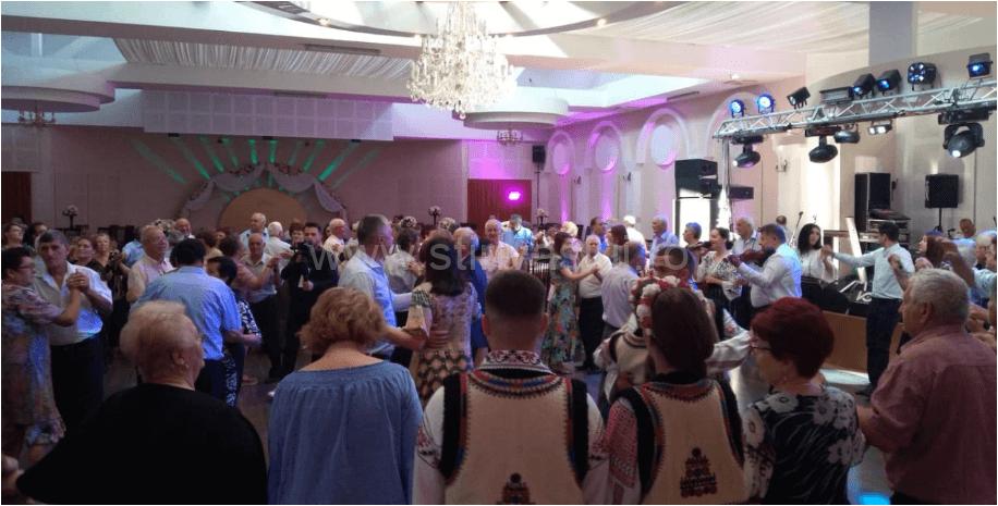 """Distracție și voie bună la """"Nunta de aur"""", organizată de Primăria Vaslui"""