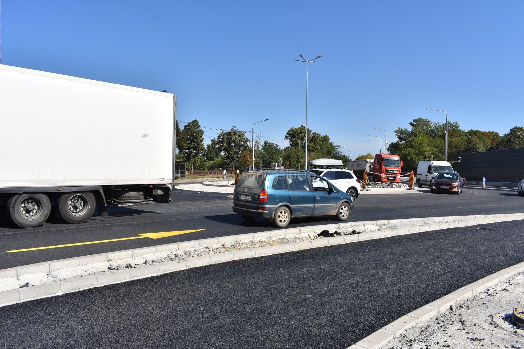 Trafic auto și pietonal deviat în zona viitorului centru comercial din Bârlad 2